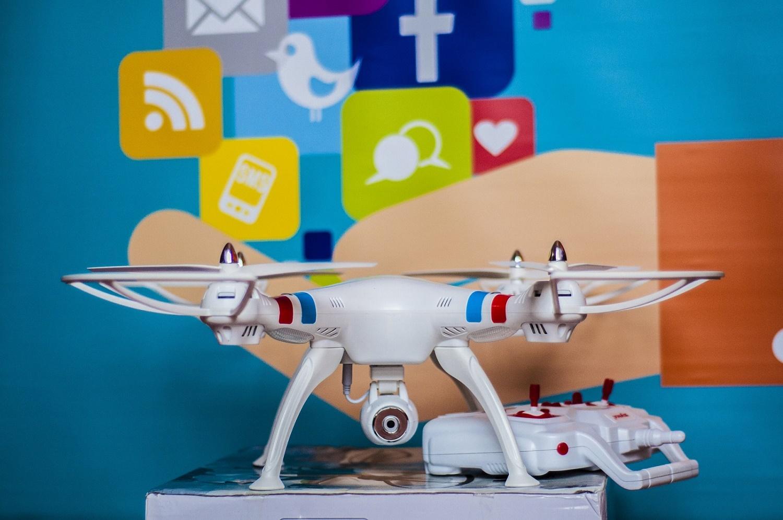 Dron do nauki latania