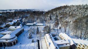 kudowa zimą z drona
